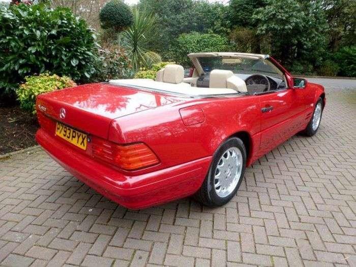 В Великобритании продается Mercedes-Benz SL 500, простоявший в гараже 20 лет