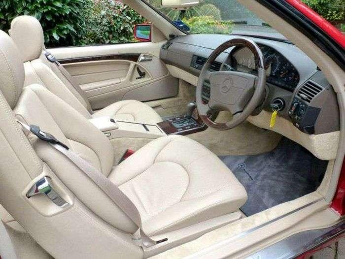1492075111303 - В Великобритании продается Mercedes-Benz SL 500, простоявший в гараже 20 лет