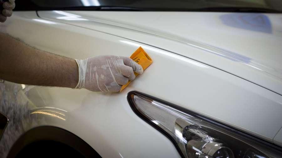 подготовка поверхности кузова и оптики Покрытие автомобиля жидким стеклом