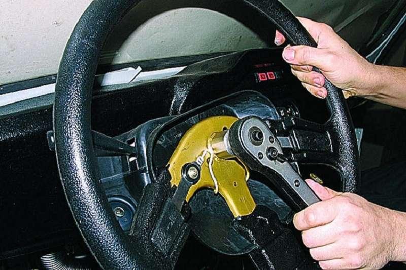 Как купить руль для машины и установить самому?
