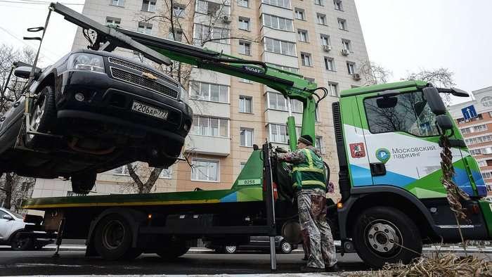 Владелец трети «зеленых крокодилов», занимающихся перевозкой неправильно припаркованных машин, объявил о банкротстве.