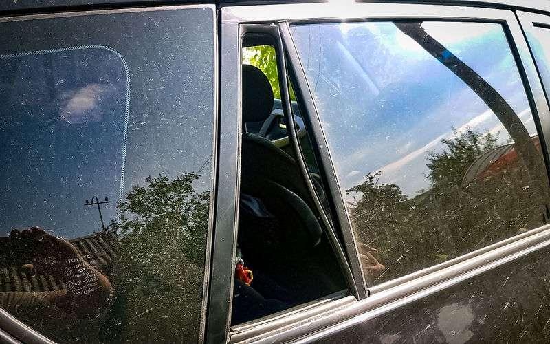 7A9 PEsp8Xo5qwNuP7SvUAs800 - Что делать, если ребенок заперся в машине?