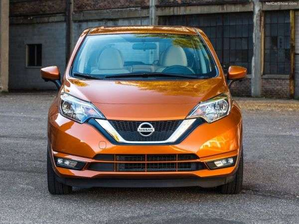 1505289648 2 - Обзор Nissan Versa Note 2017: технические характеристики, цены и комплектации
