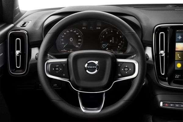 1506373563 cifrovaya panel priborov - Обзор нового Volvo XC40 2018