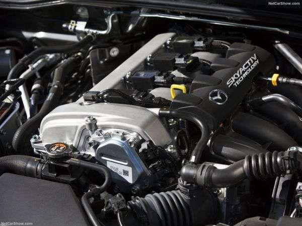 Обзор Mazda MX-5 RF 2017: характеристики, цены