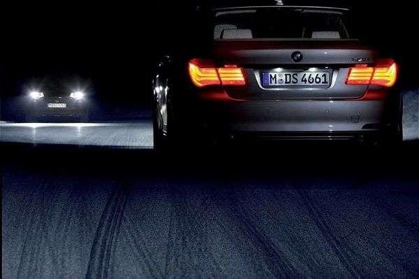 Как можно и как нельзя ездить ночью за рулем автомобиля