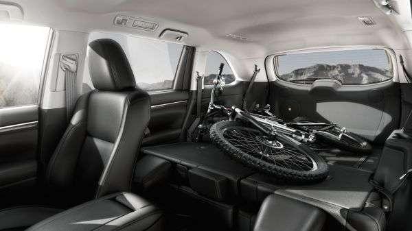 1507232890 bagazhnik krossovera toyota highlander iv - Обзор новинки Toyota Highlander IV 2017: характеристики, цена