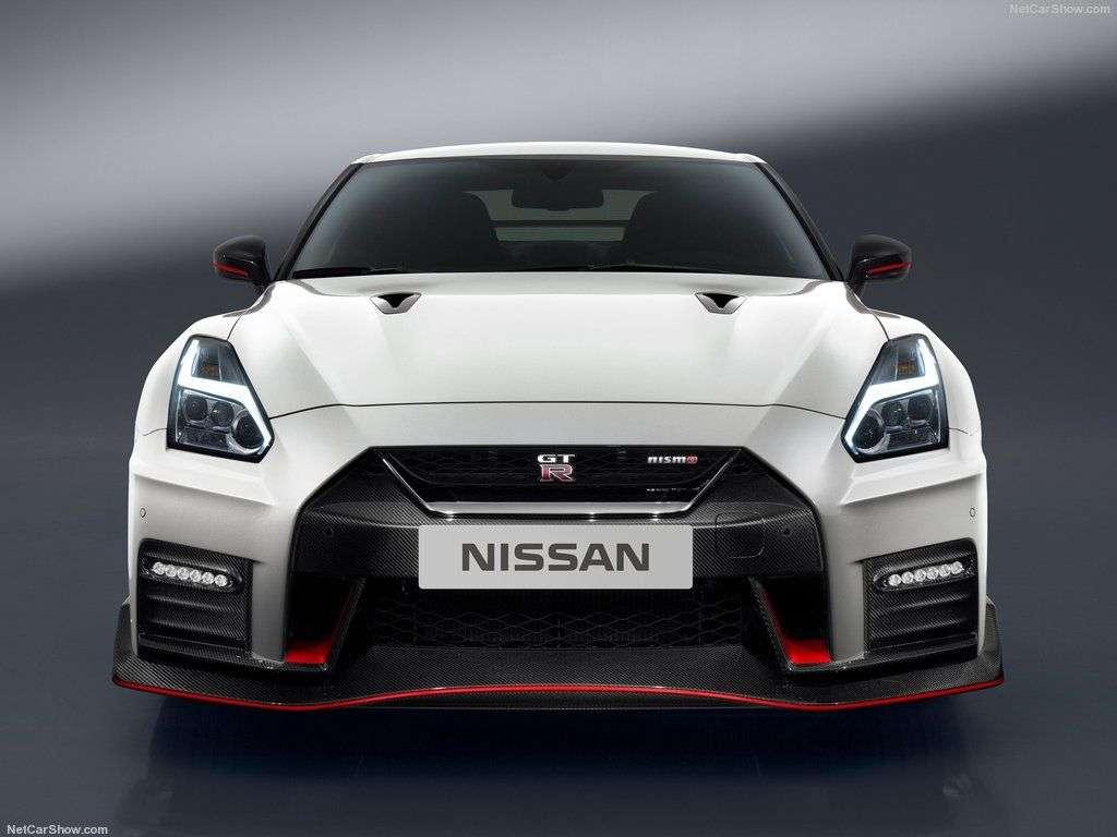 Обзор Nissan GT-R Nismo 2017: технические характеристики, цены и комплектации