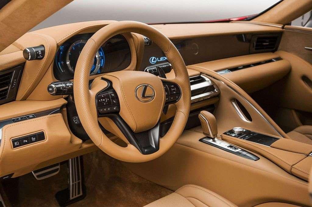 Автомобили с лучшими салонами: ТОП-10