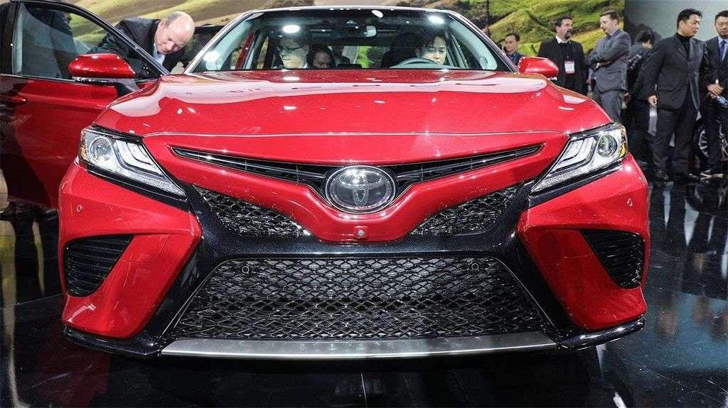 1510004689 6 - Обзор Toyota Camry 2017-2018: технические характеристики и цена