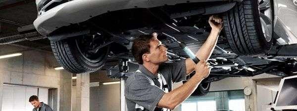 Проверяем тормозную систему машины