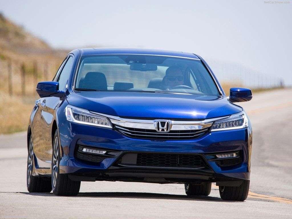 Обзор Honda Accord Hybrid 2017