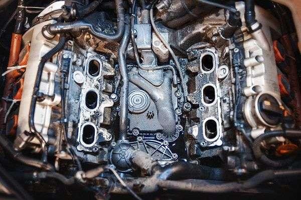 Как устранить протечку масла из двигателя?