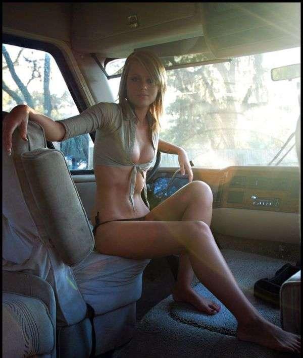 Сексуальные девушки и автомобили (часть 2)
