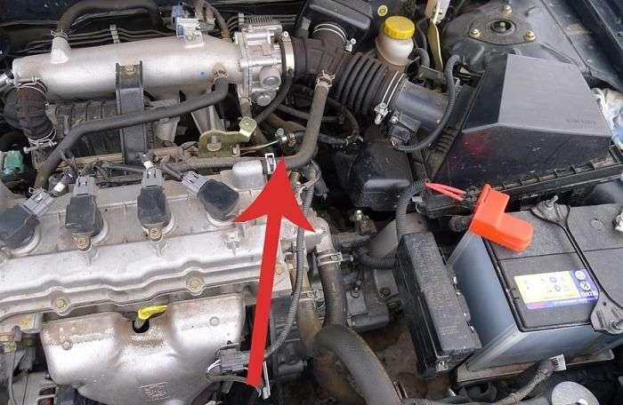 Почему в салоне автомобиля запахло бензином Основные причины