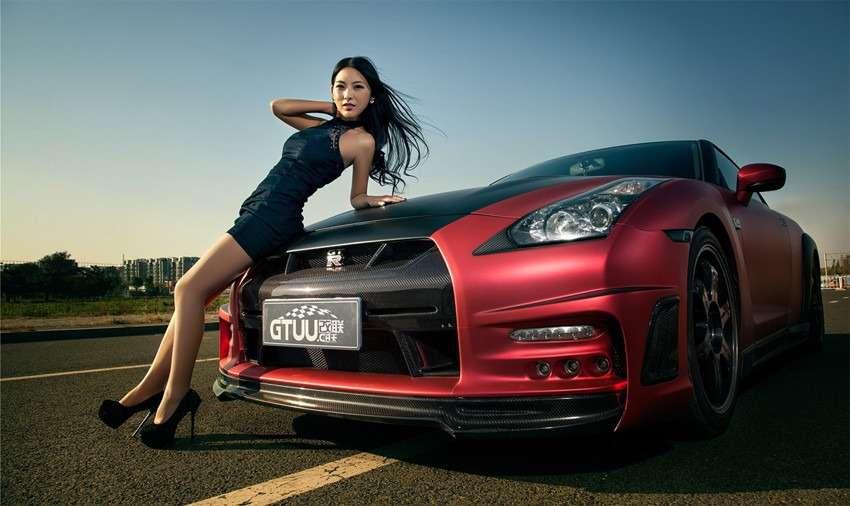 Сексуальные девушки и автомобили (часть 24)