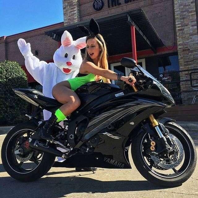 0 193baa 745063cd orig - Сексуальные девушки и мотоциклы (часть 2)