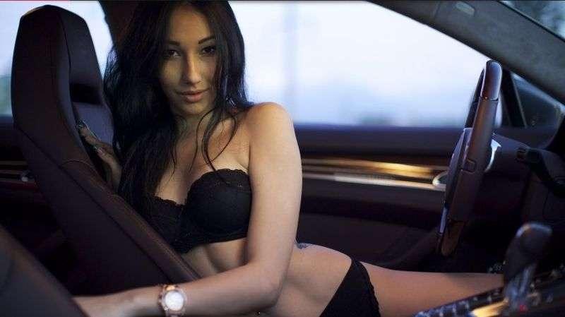 Сексуальные девушки и автомобили (часть 6)
