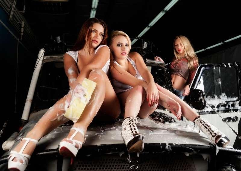 30452012 - Сексуальные девушки и автомобили (часть 26)