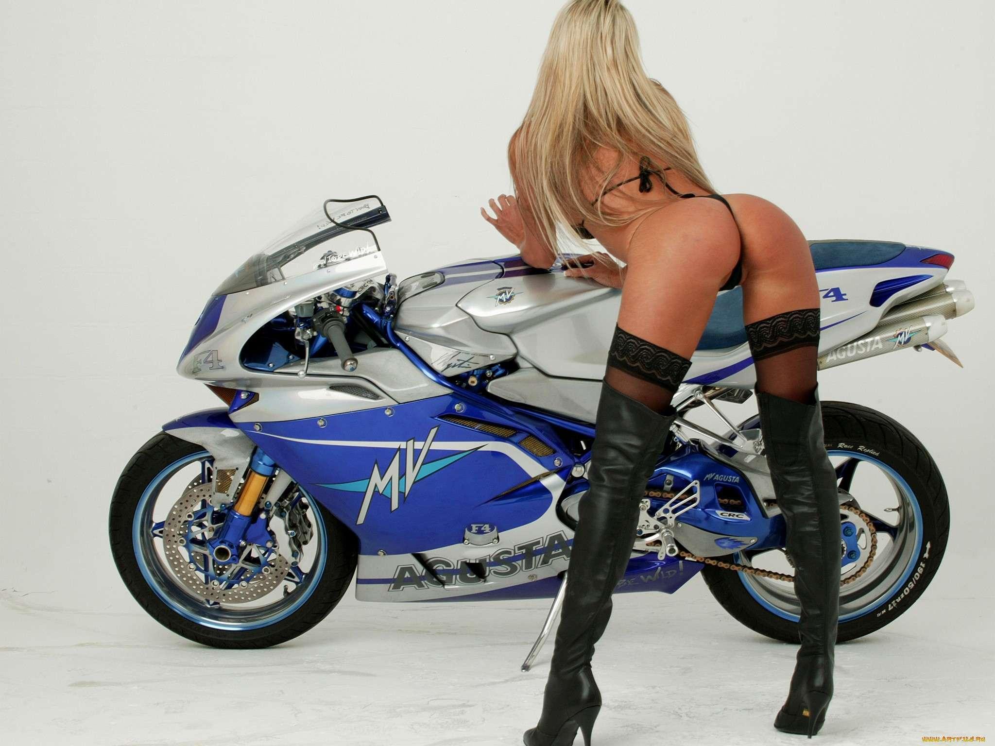 338abf40894137a - Сексуальные девушки и мотоциклы (часть 2)