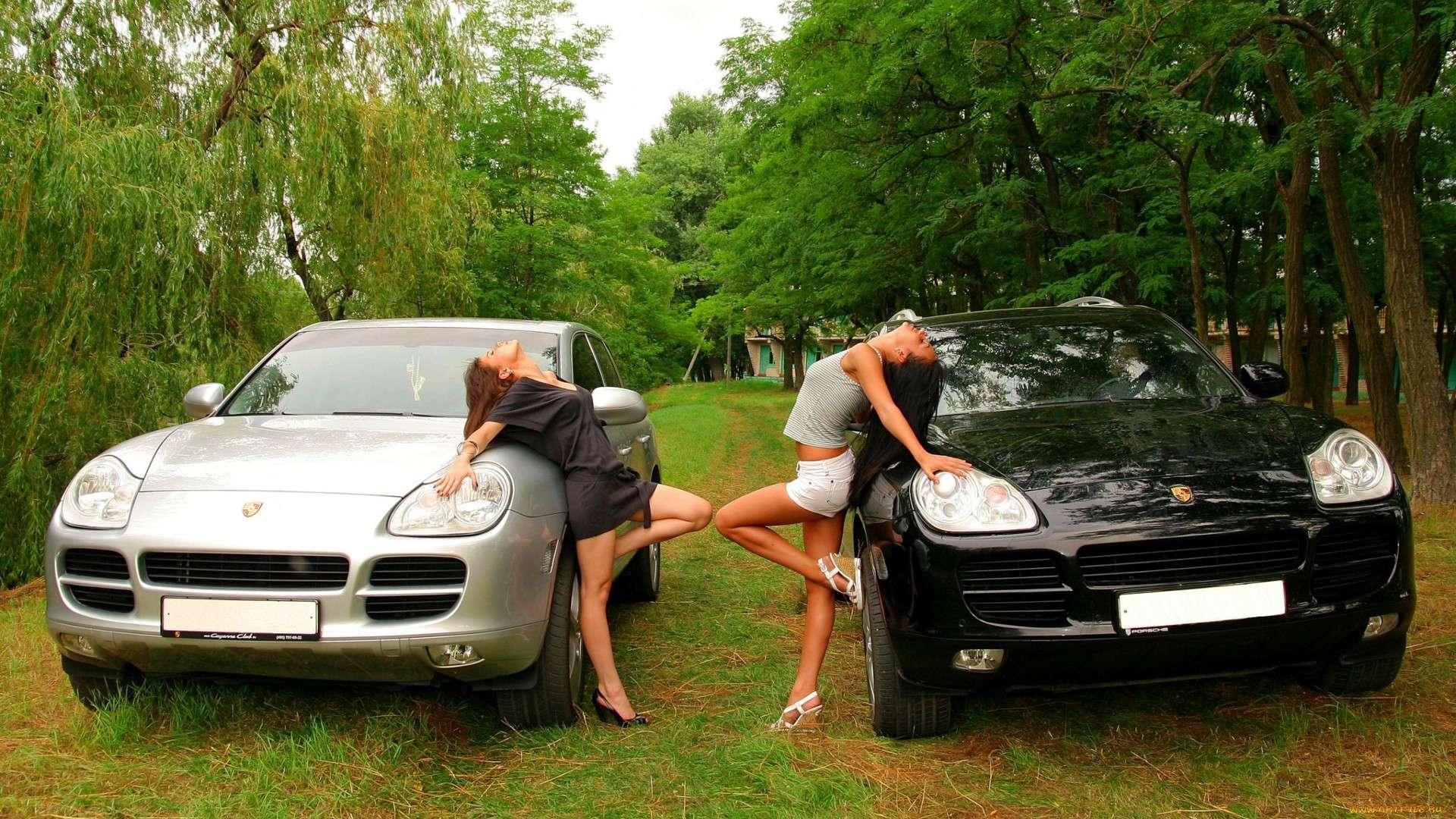 Сексуальные девушки и автомобили (часть 15)