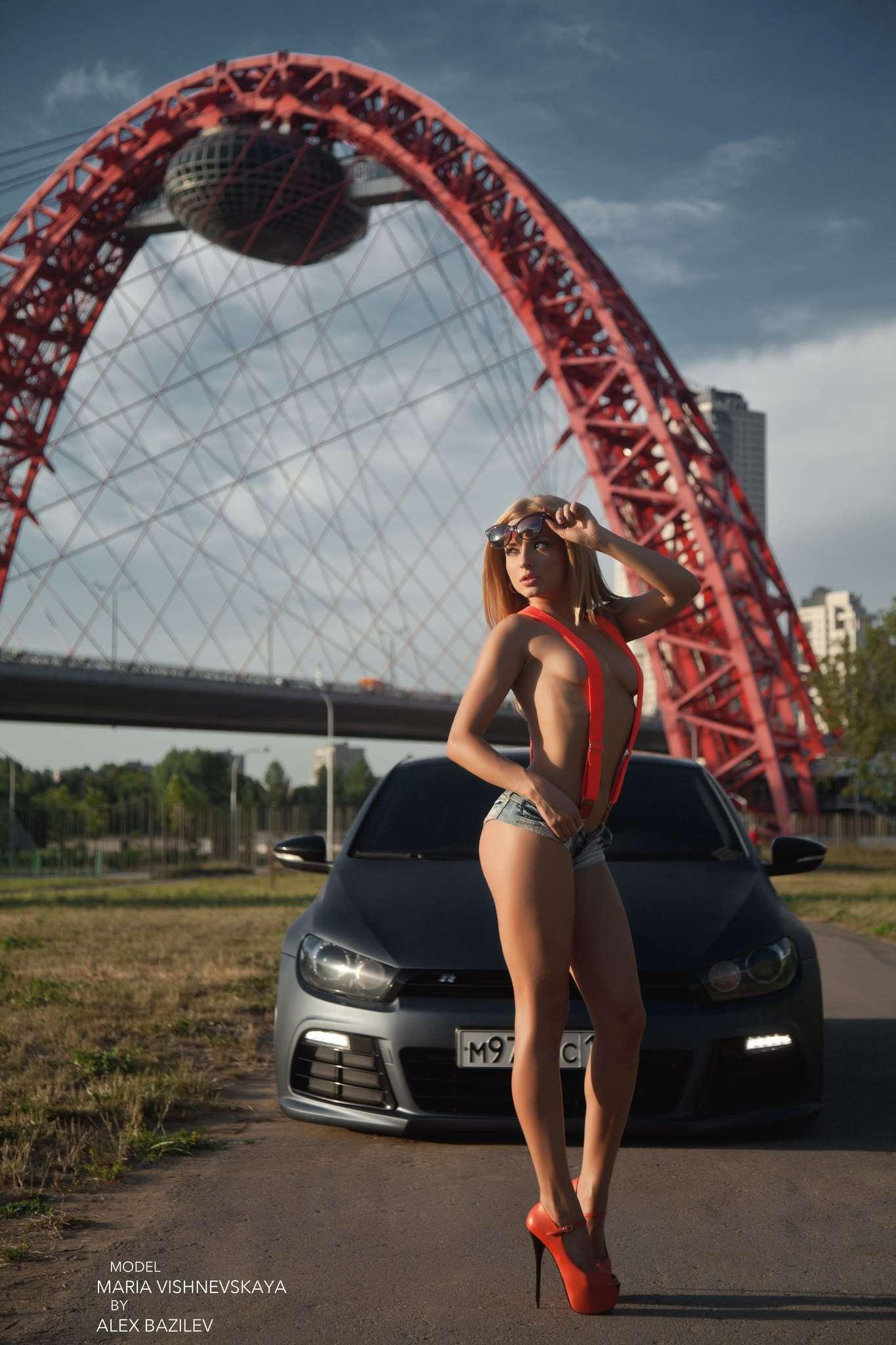 Сексуальные девушки и автомобили (часть 11)