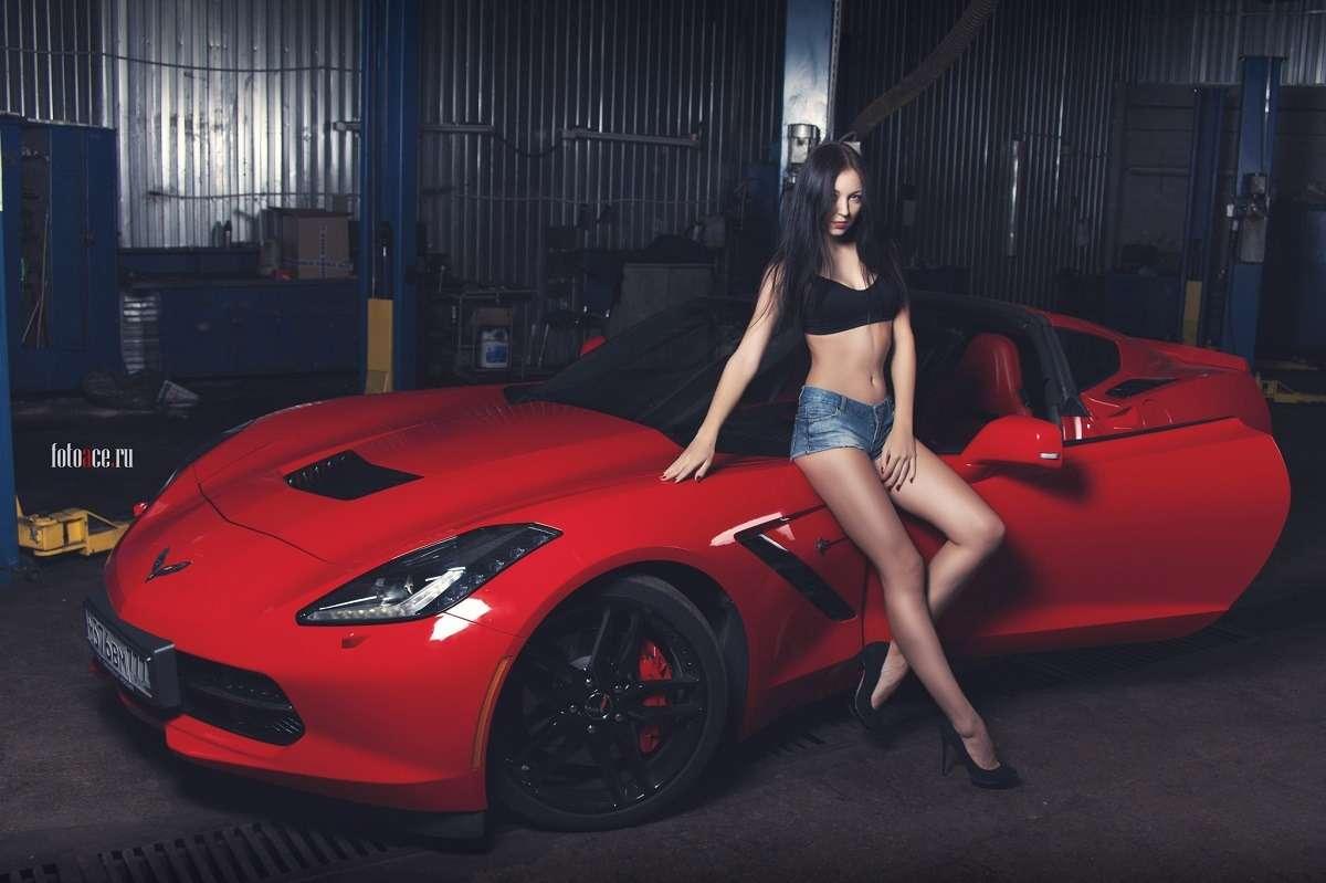 Сексуальные девушки и автомобили (часть 27)