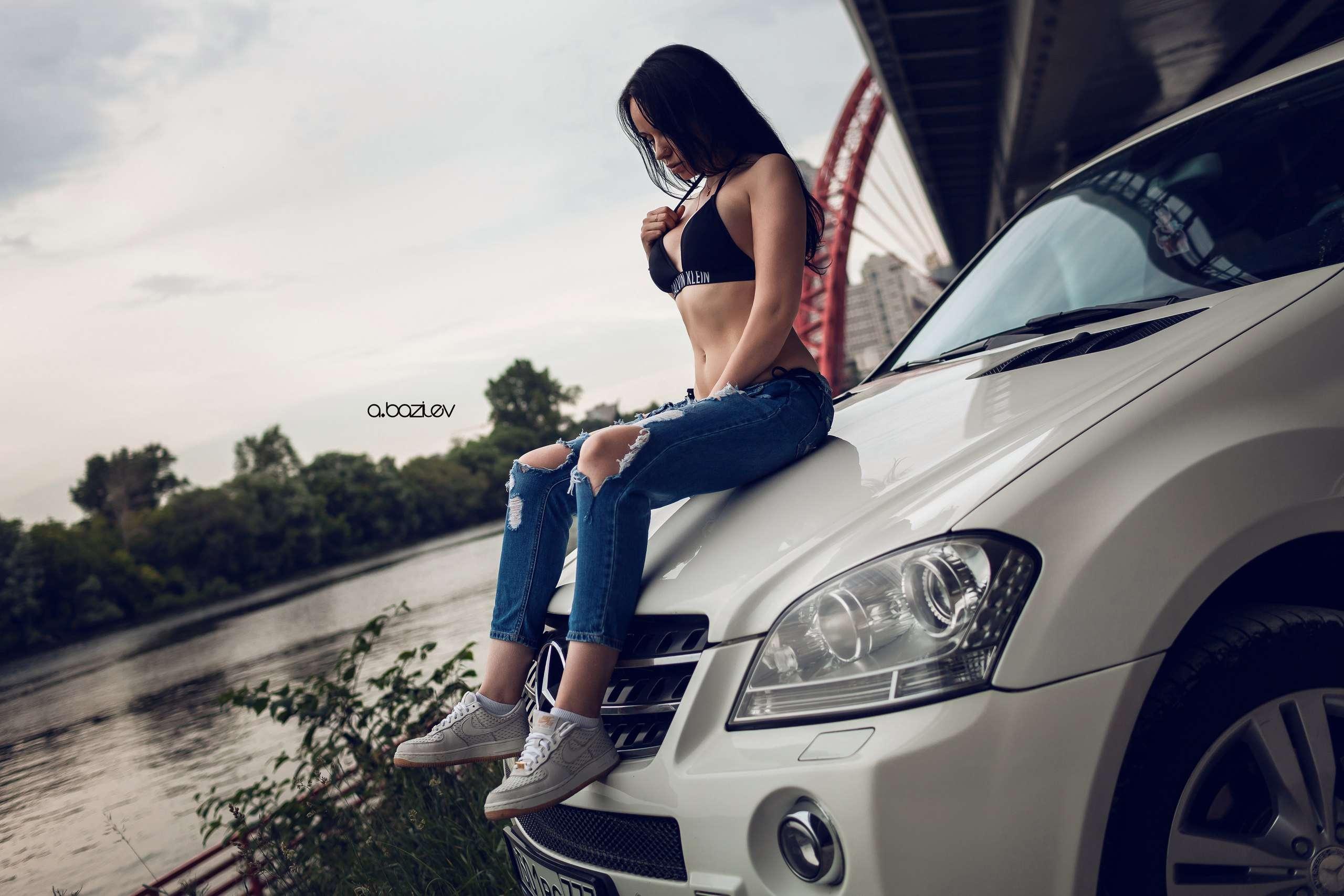 idpT15ZPYTo - Сексуальные девушки и автомобили (часть 10)