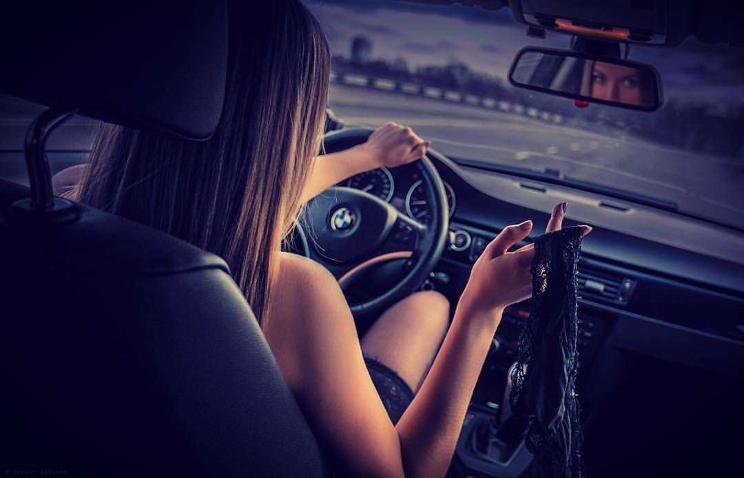 Сексуальные девушки и автомобили (часть 21)