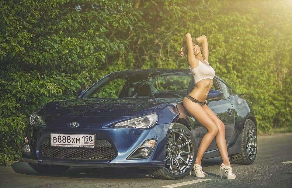 Сексуальные девушки и автомобили (часть 23)