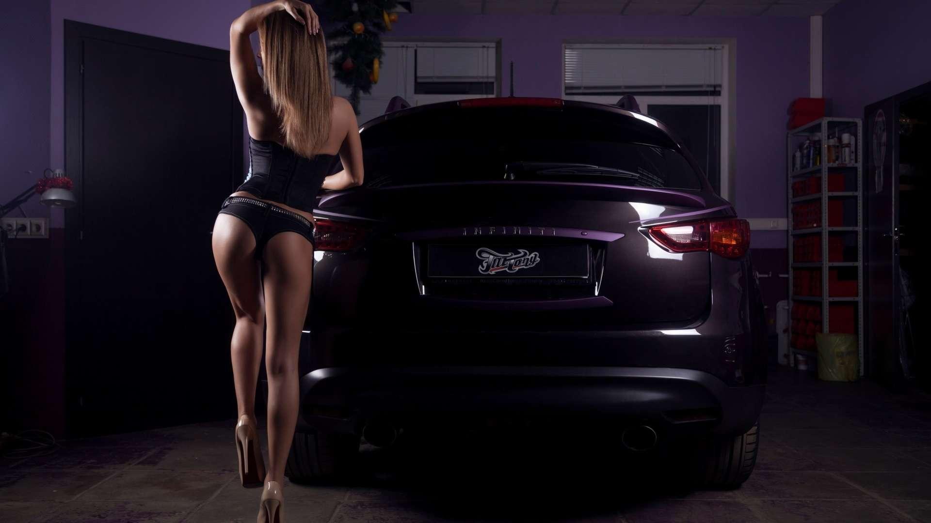 Сексуальные девушки и автомобили (часть 9)