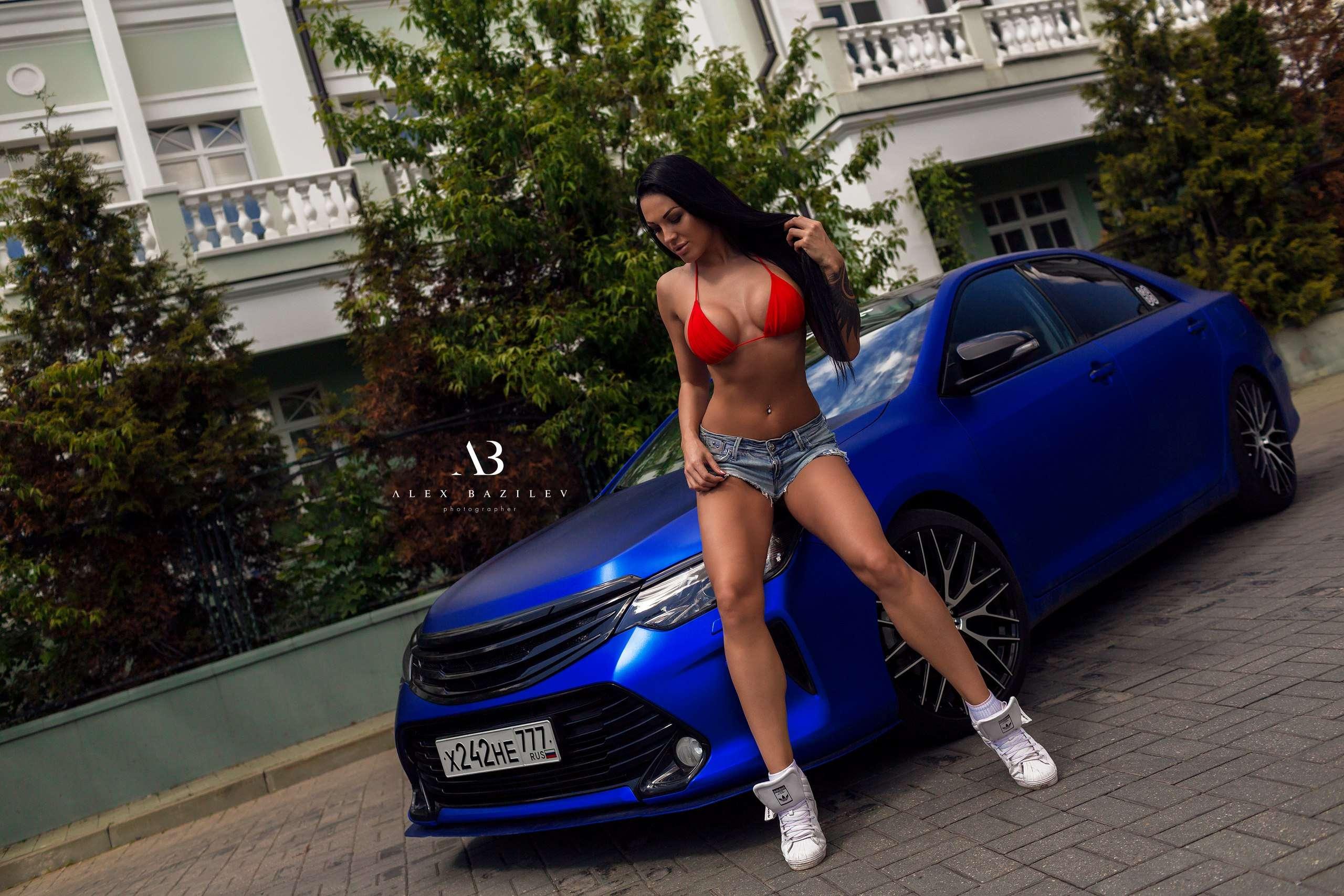 uKIvl DWi34 - Сексуальные девушки и автомобили (часть 10)