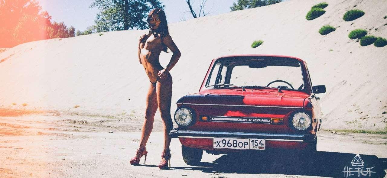Сексуальные девушки и автомобили (часть 13)