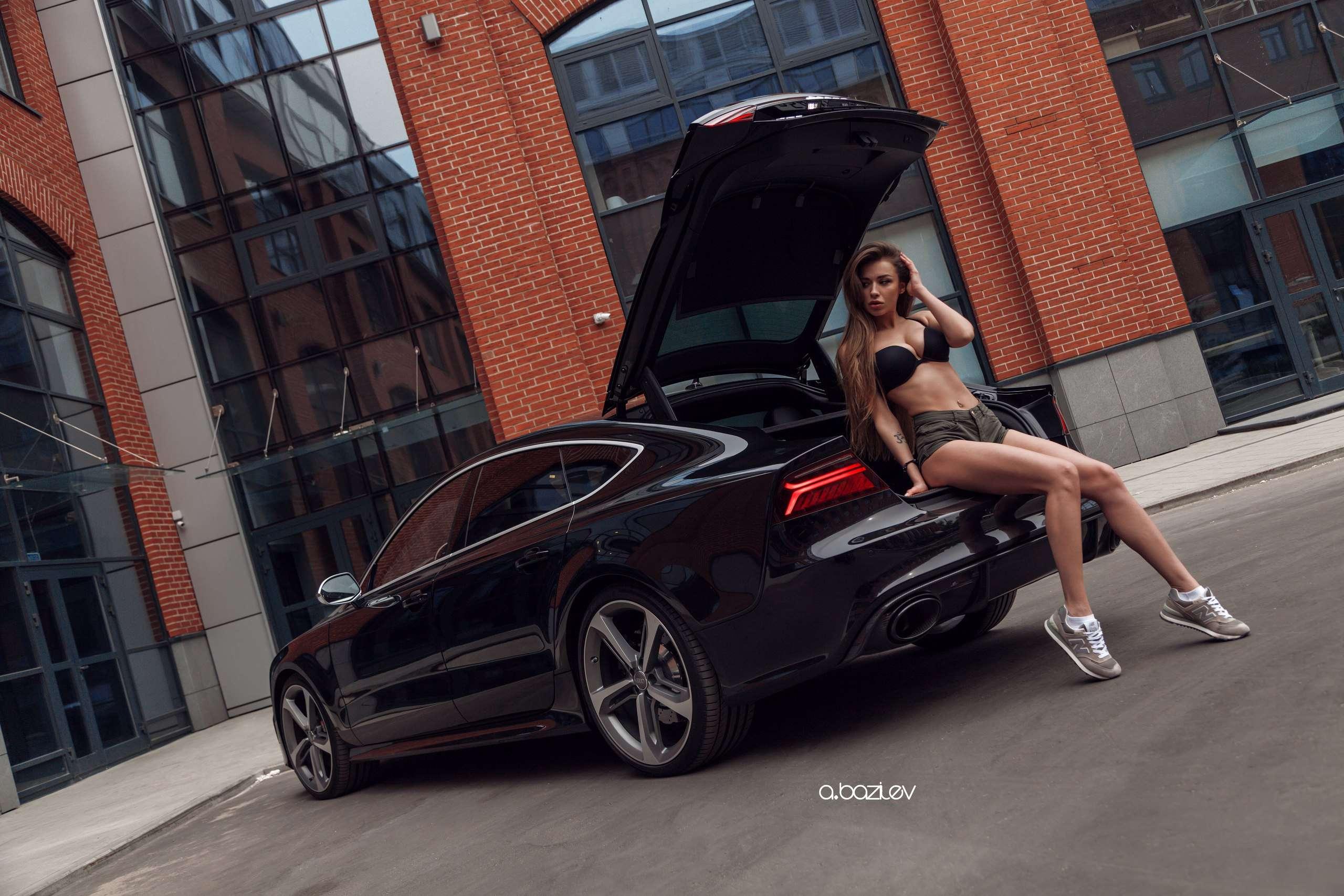 xZKy75MoalU - Сексуальные девушки и автомобили (часть 10)