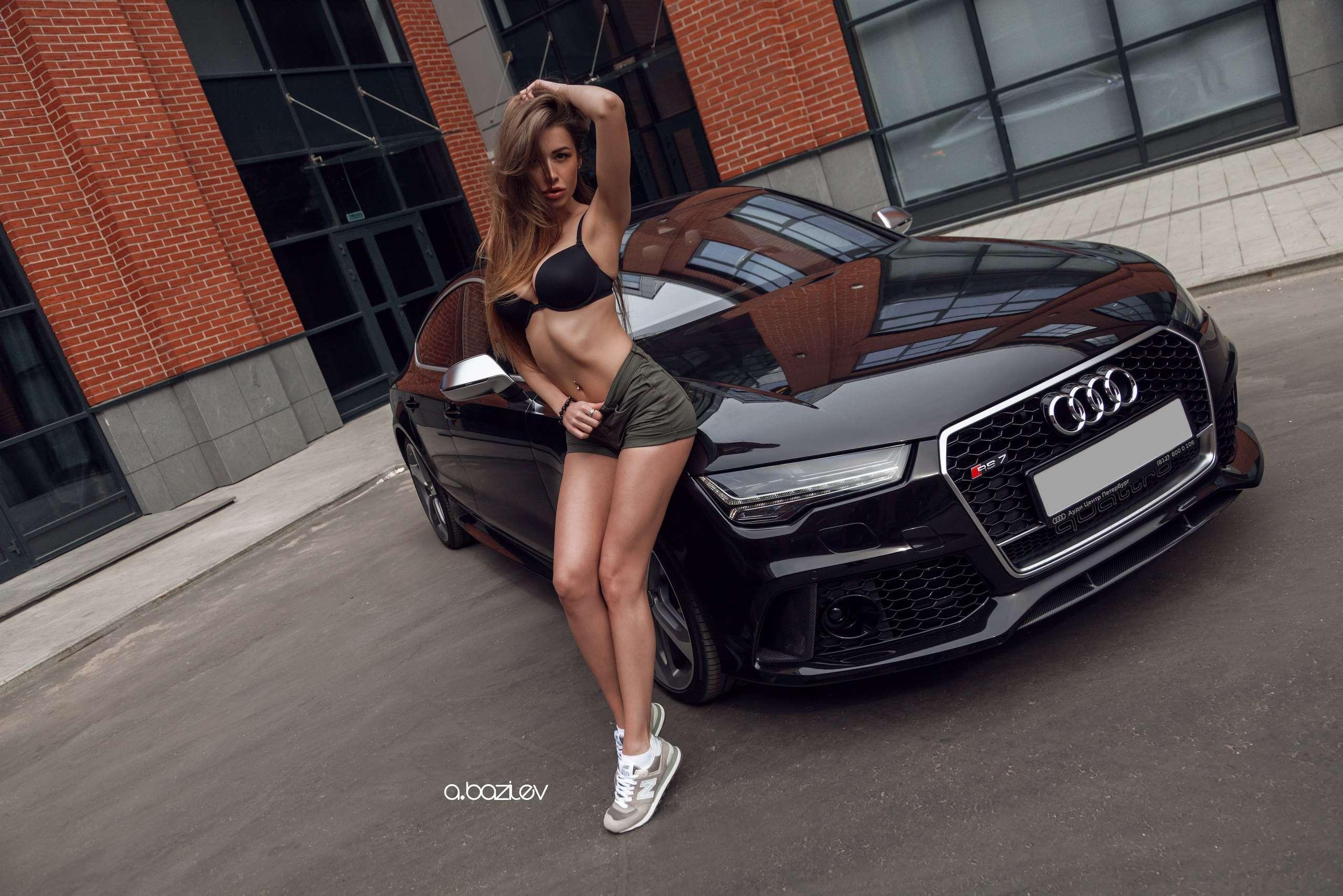 yKXDkatoayE - Сексуальные девушки и автомобили (часть 10)