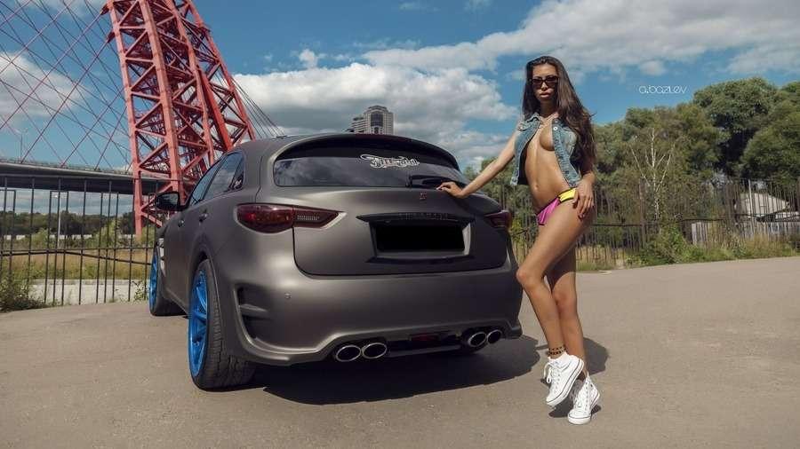 Сексуальные девушки и автомобили (часть 32)