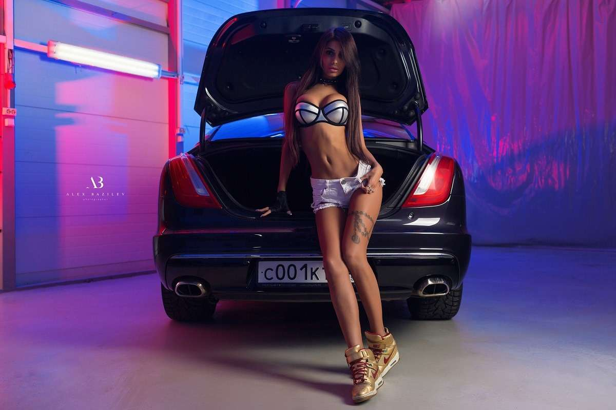 women Alex Bazilev tanned car jean shorts lingerie black panties bra tattoo women with cars belly sneakers gloves Nike 1206043 - Сексуальные девушки и автомобили (часть 32)