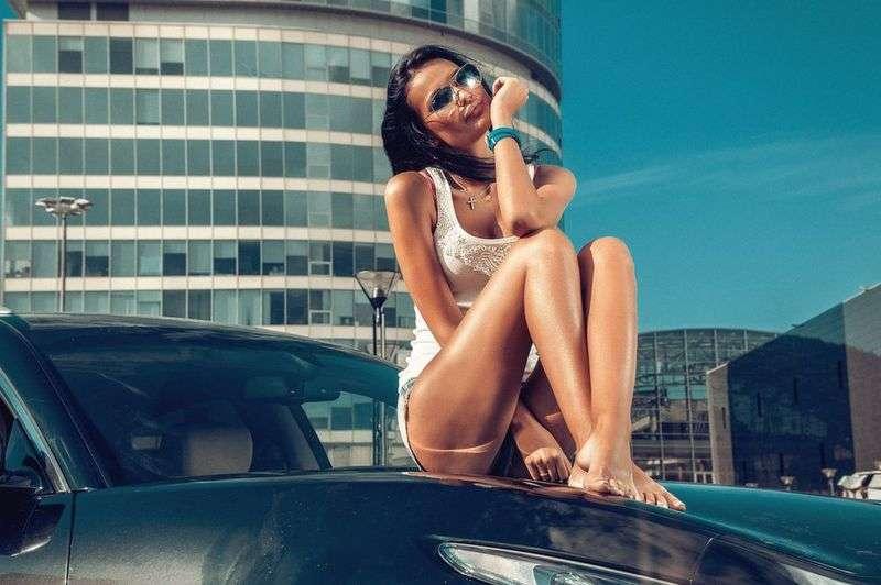 Сексуальные девушки и автомобили (часть 36)