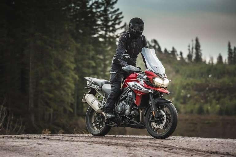 Советы по управлению мотоцикла в дождливую погоду