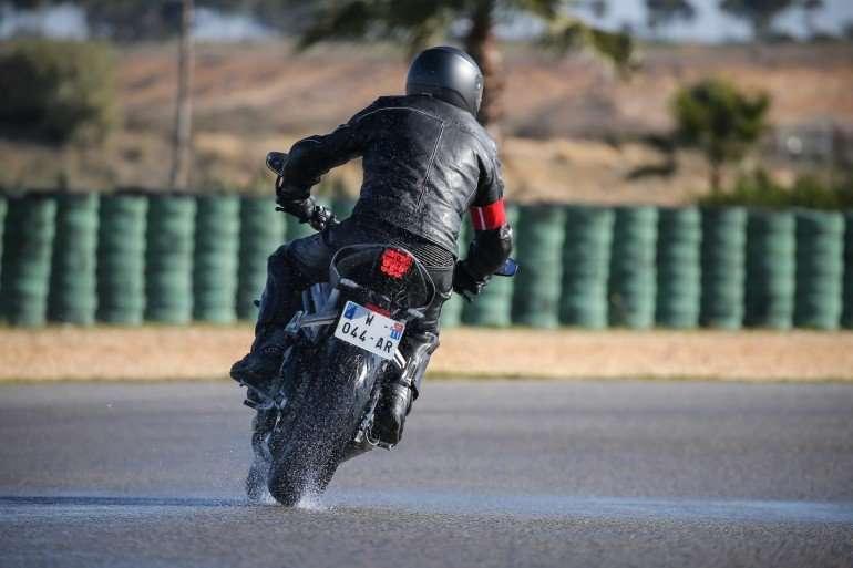 1526369259 1 5 - Советы по управлению мотоцикла в дождливую погоду
