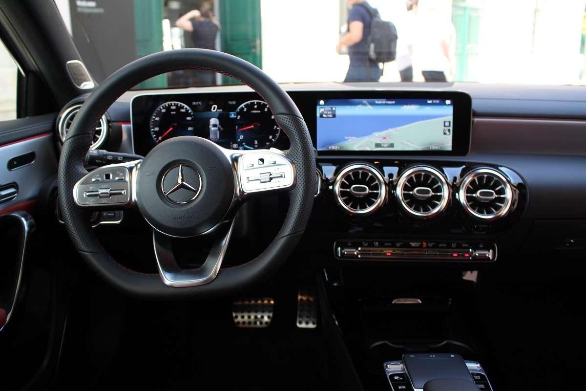 Тест-драйв Mercedes-Benz A-Class 2019
