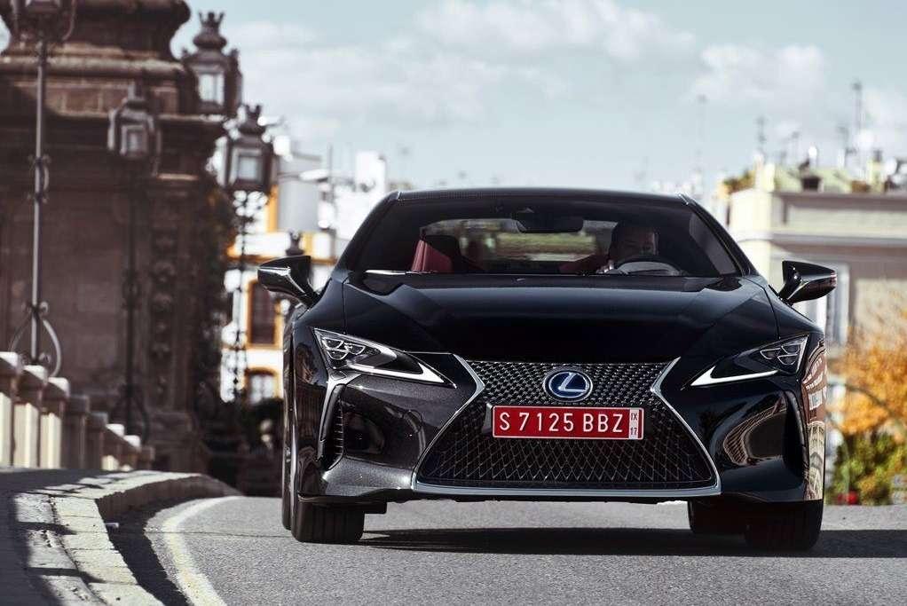 Видео-обзор Lexus LC 500h 2018