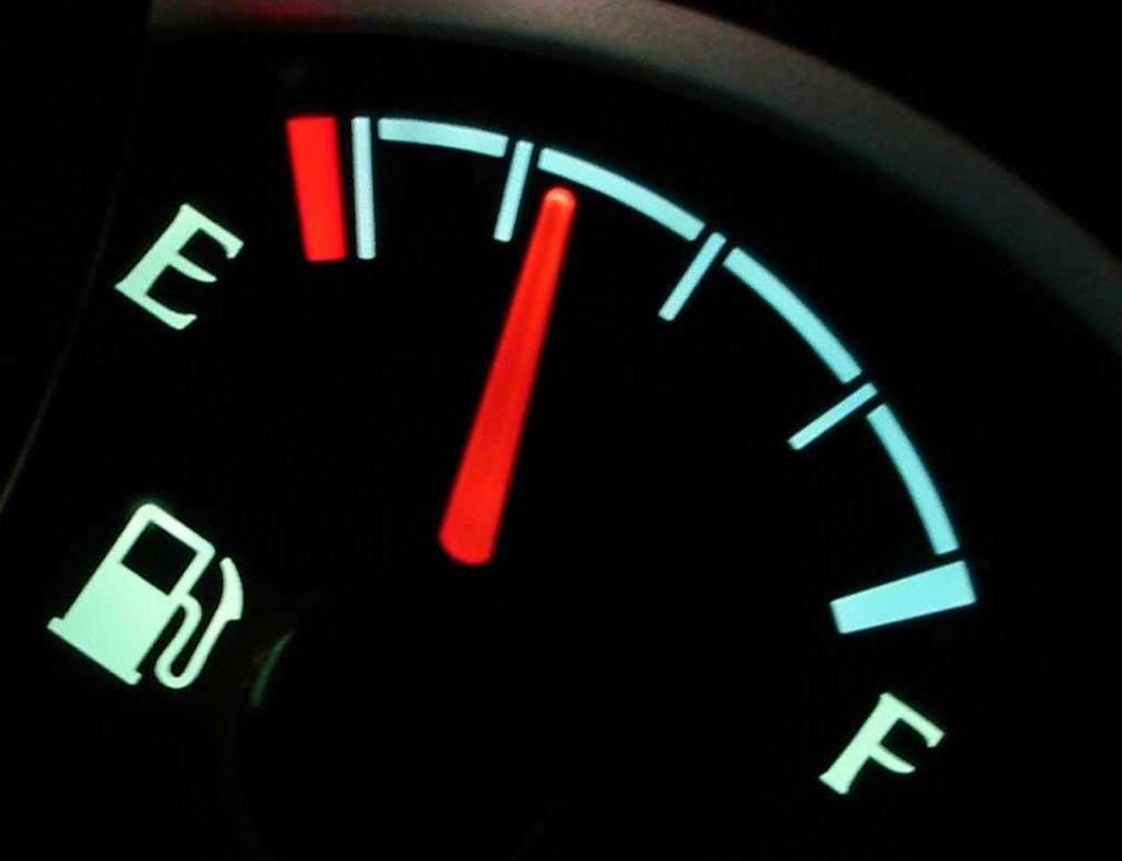 Можно ли дизельное топливо заливать в бензиновую машину?