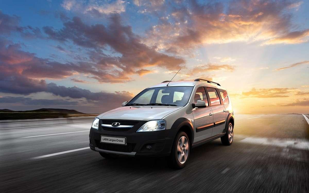 1531220144 1415276765 largus cross 20 2 - ТОП-10 самых продаваемых автомобилей в России за первые 6 месяцев 2018 года