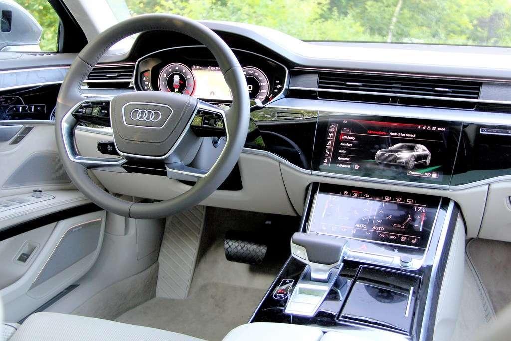 Видео-обзор Audi A8 2018