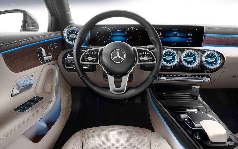 Видео-обзор Mercedes-Benz A-Class Sedan 2019