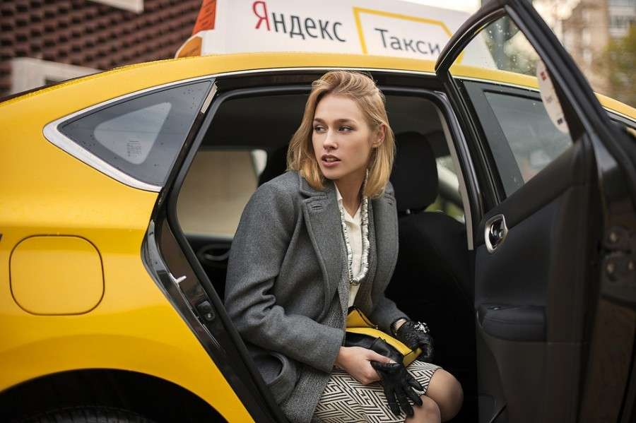 Сколько зарабатывают в яндекс такси на своей машине?