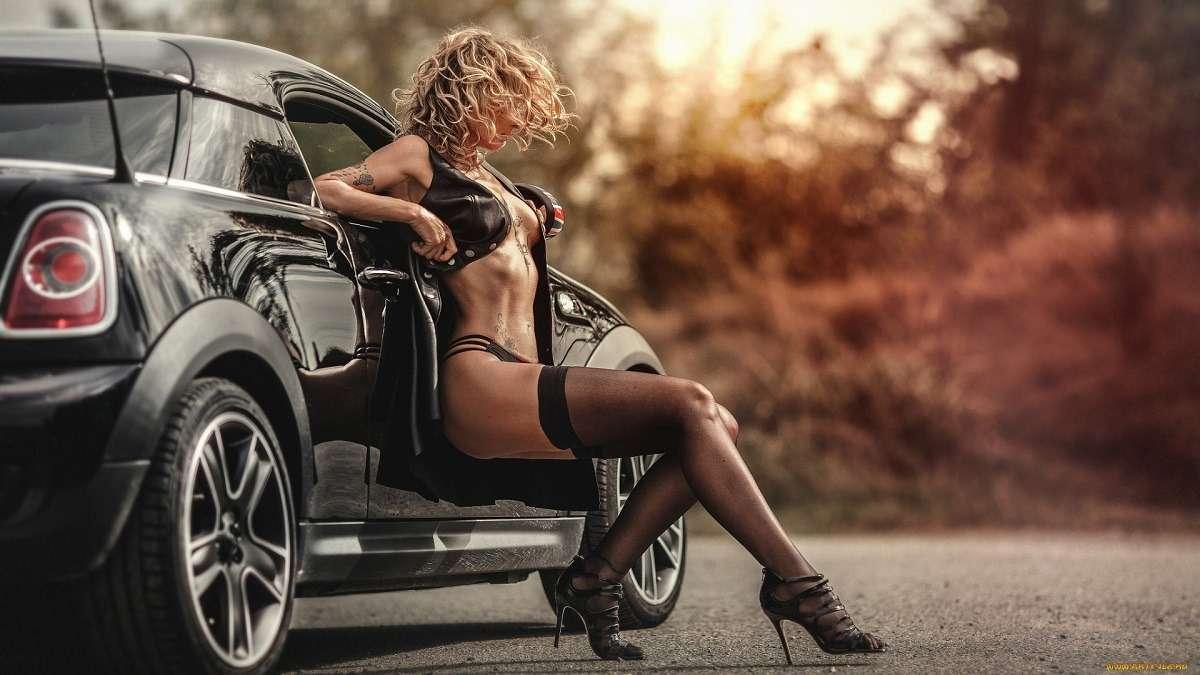 Сексуальные девушки и автомобили (часть 37)
