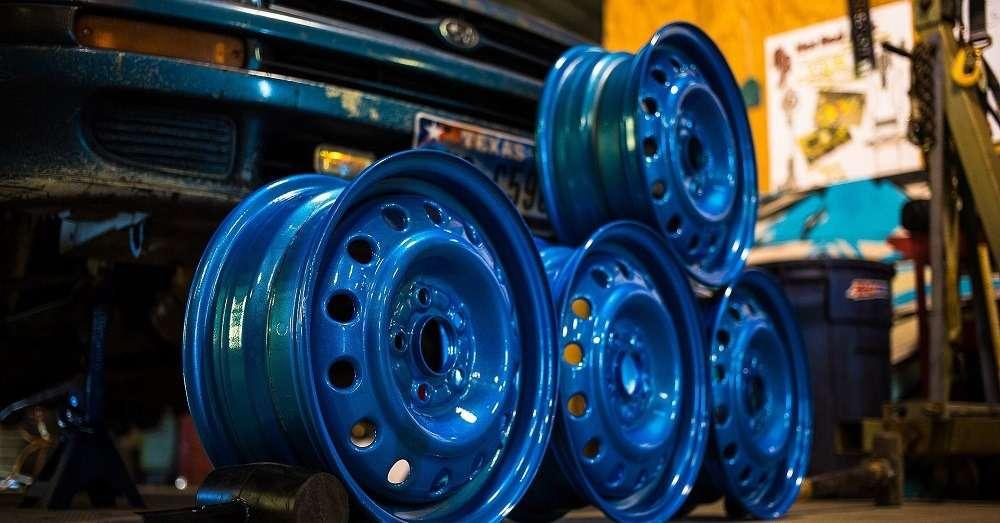 Какие диски выбрать литые или штампованные?
