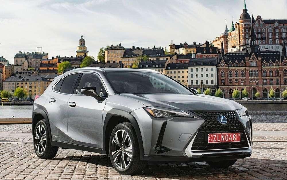 Видео-обзор Lexus UX 2019 года